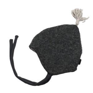 10007803 Beanie Haube Mütze mit Bindebändern gefüttert mit Fleece Wolle Wollwalk Walk mit Quaste warm Winter Baby bio organic dunkelgrau grau