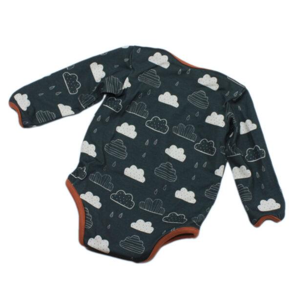 100085134a Body Baby bio organic langarm raublau Wolken