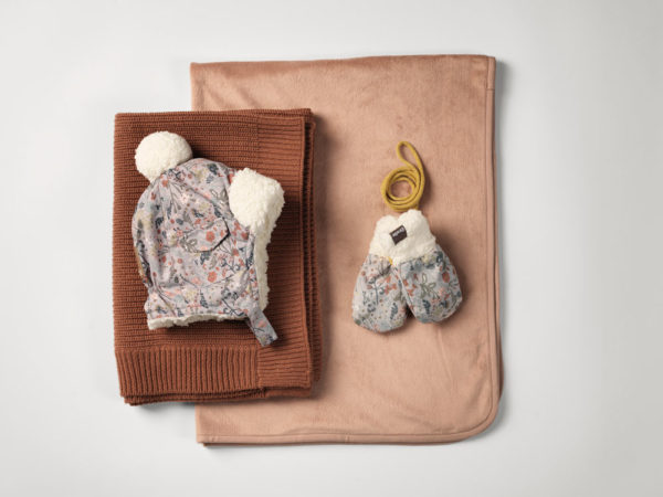 Cap Mittens Wool Knitted Blanket Aw19 Elodie Details Studio 1000px