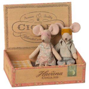 Maileg Mum And Dad Mice Cigar Box Mutter Vater Zigarettenschachtel Mäuse Maus 16 1740 01 Proudbaby 1