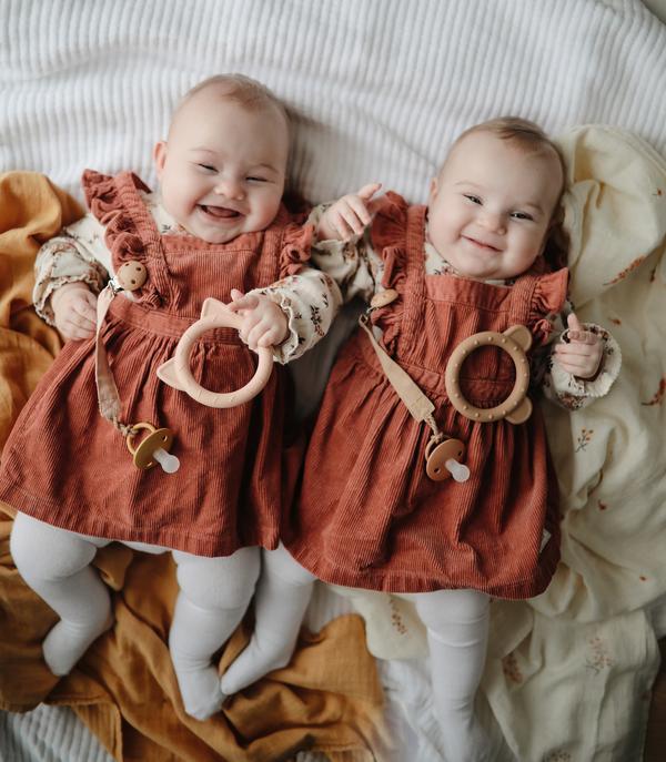 1 Twins Girls 2 Shopify 600x